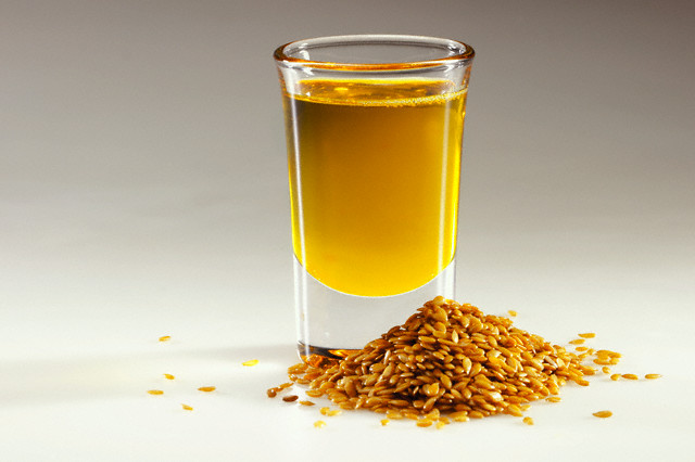 fish-oil-vs-flaxseed-oil